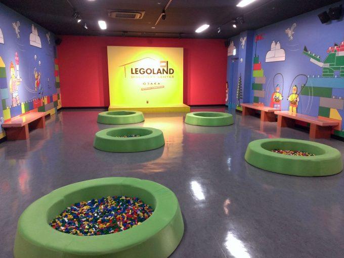 フリースペースにある大量のレゴ、自由に遊べます。