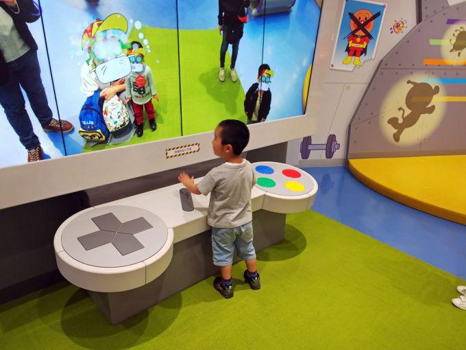 【神戸アンパンマンこどもミュージアム】バイキンひみつ基地《コントロールパネル》
