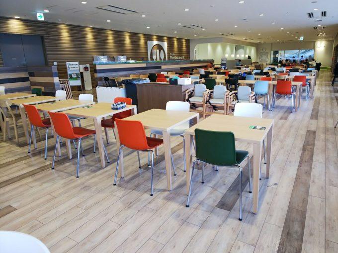 【京都鉄道博物館】食事《レストラン「内部」》