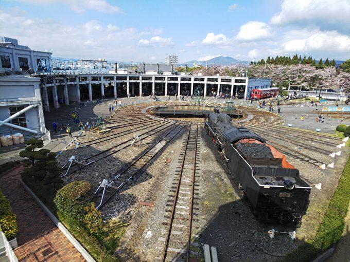 【京都鉄道博物館】扇形車庫《全景》